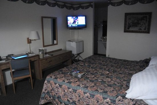 Chaparral Inn: King Bed Room