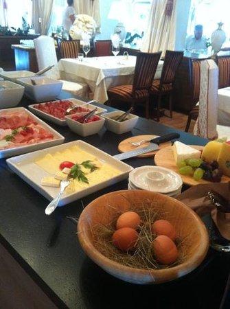 Hinterhuber Hotel Royal: una parte del buffet della colazione
