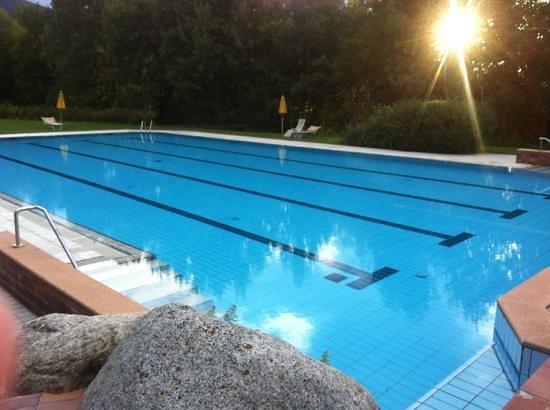 Hinterhuber Hotel Royal: piscina esterna
