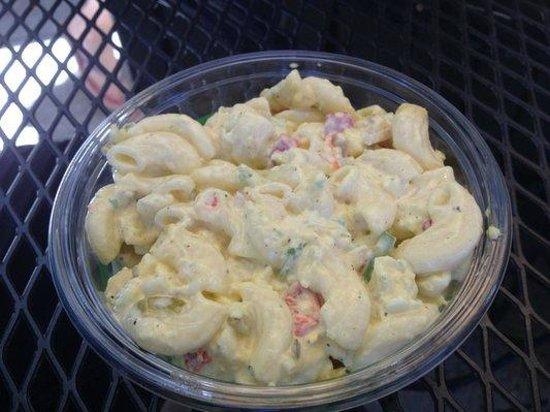 Zoccoli's Delicatessen : mac salad