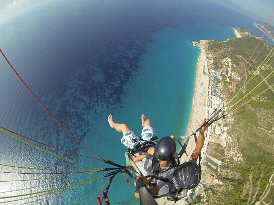 Agios Nikitas, Greece: Paragliding over Kathisma