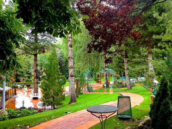La Caille: carefully maintained