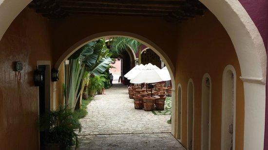 La Casona de Valladolid: Lobby area