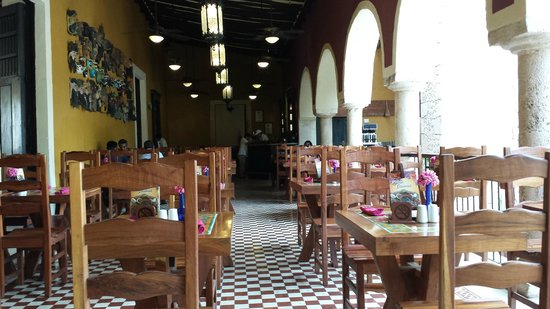 La Casona de Valladolid: Indoor tables