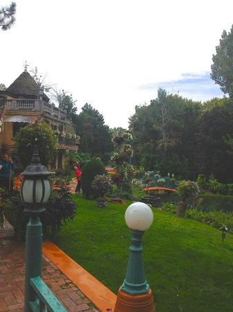 La Caille: perfect setting for weddings and other events