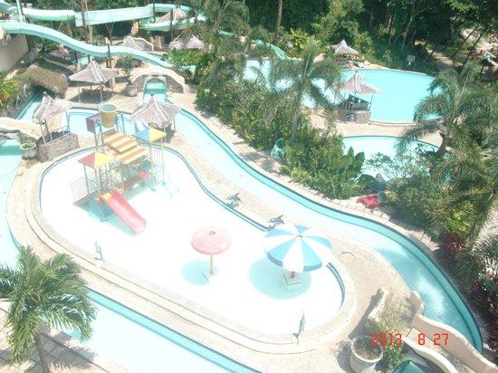 Hawaii Resort Family Suites Waterpark