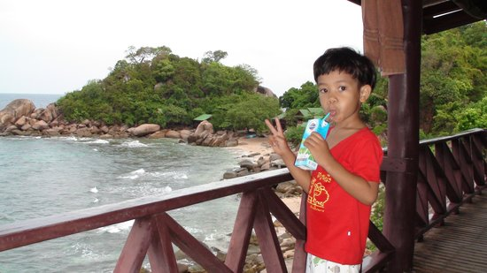Rammy (younger son) did not want to leave Tao Thong Villa #2
