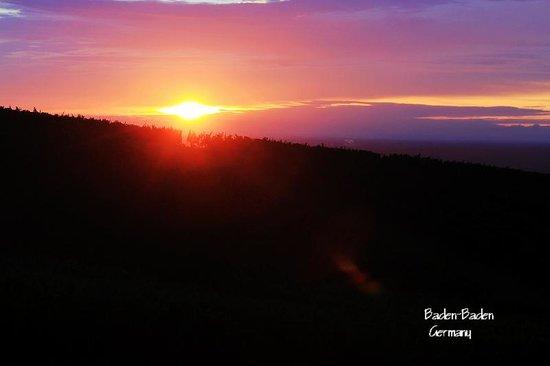 Hotel Rebenhof: Sunset from the room