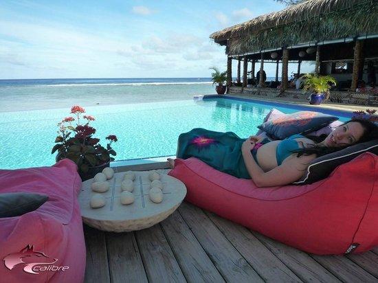 Manuia Beach Resort: Fantastic pool-side area