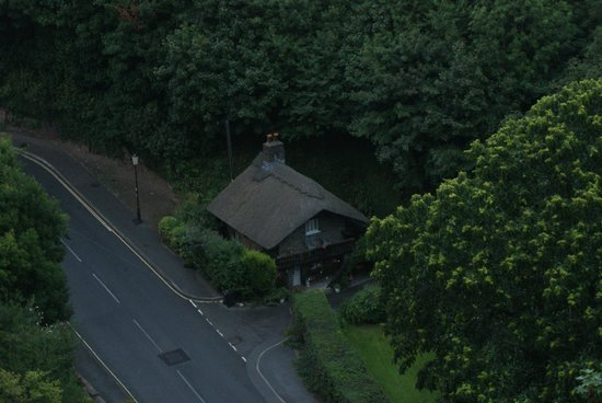 Sinai House : A delightful little cottage on the road down to Lynmouth.