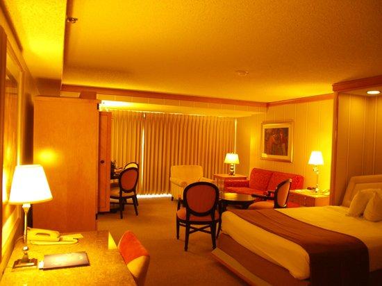 โรงแรมแบลลีส์ ลาส เวกัส แอน คาสิโน: Stanza