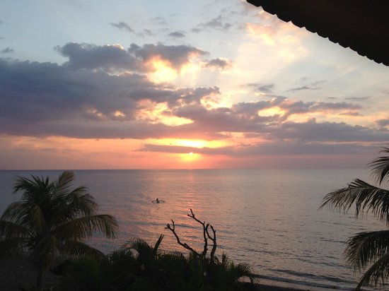 Bali Grand Sunsets Resort & Spa : Sunsets from our balcony