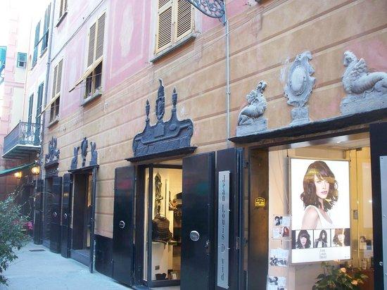 Sestri Levante, Włochy: portali in ardesia