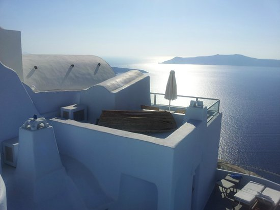 Ikastikies: Roof top balcony of the Oia suite