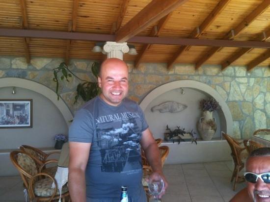 Small World Hotel : Murat