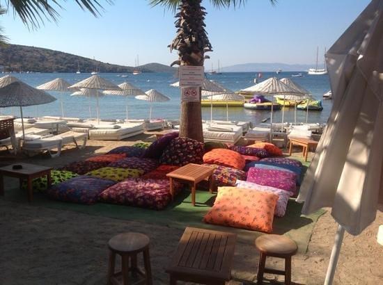 Small World Hotel : bitez beach