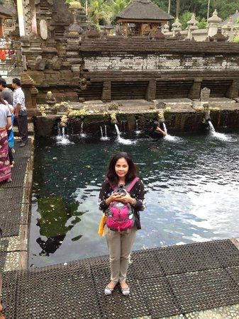 Biyukukung Suites and Spa: Bathing in the healing waters of Tirta Empul temple
