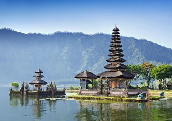 Biyukukung Suites and Spa: Pura Ulun Danu Bratan, a Hindu temple in Bali