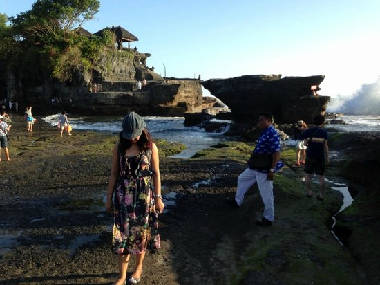 Biyukukung Suites and Spa: tanah lot, temple in bali
