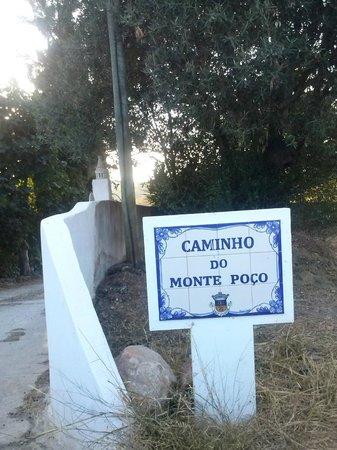 Residencial Casa do Alto: Hinweis auf die Einfahrt