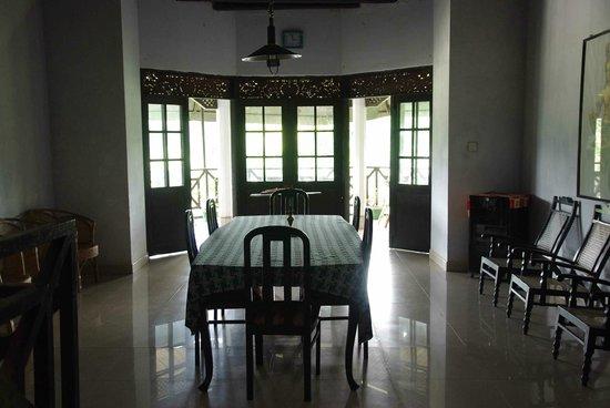 Kandy Holiday Home: Salle à manger et de lecture