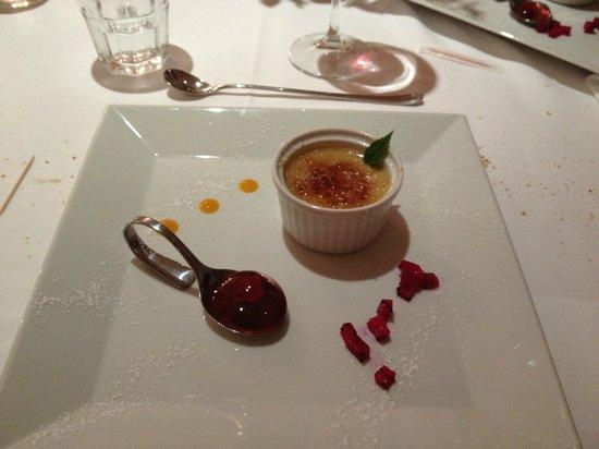 Hotel Messnerwirt: Crem brulè con gelatina d lamponi