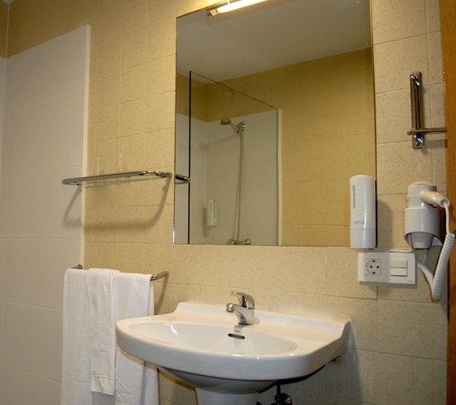 Hotel Centro Vitoria : Baño