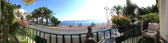 Lou Souleou: Vue panoramique du balcon !!