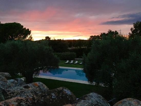 La Bégude Saint Pierre : Coucher de soleil de la terrasse de la chambre