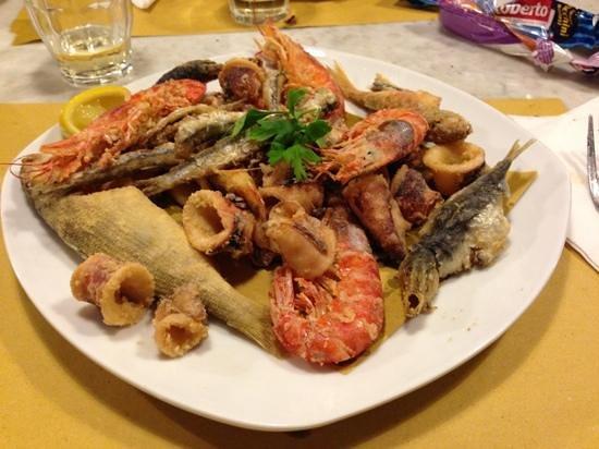 Da Puppo: fritto misto calamari,gamberi e pesci nostrani