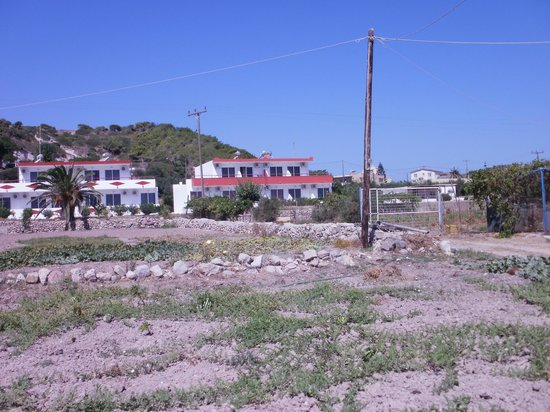 Stenna Apartments: rear view of Stenna from back of Stop Inn restaurant