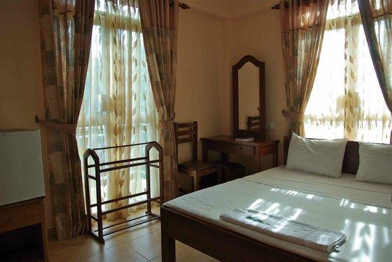 Hotel Lux Etoiles: la chambre 201 intérieur