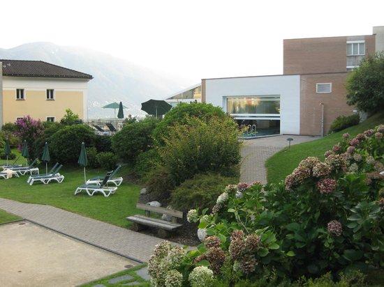 Hotel Belvedere Locarno: Hotelgarten mit Pool