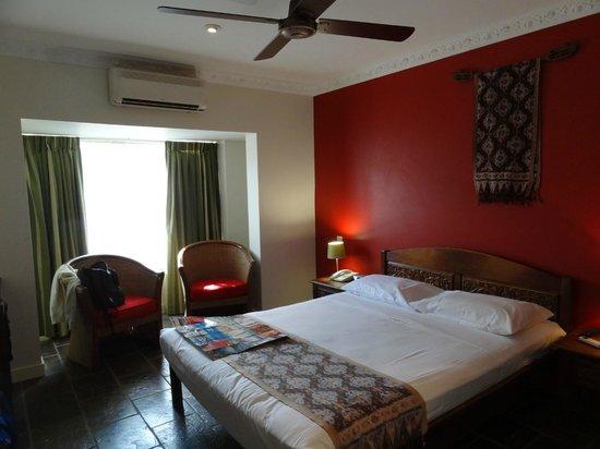 Balinese Motel: Room