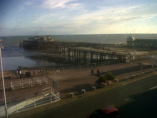 White Rock Hotel: View of the seafront and pier