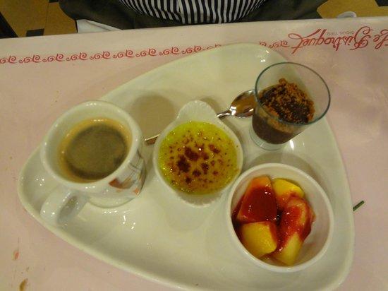 Le Bistroquet : Espresso with 3 mini desserts