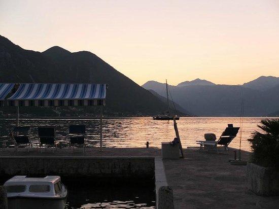 Palazzo Radomiri Hotel: Ponton sur les Bouches de Kotor