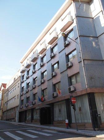Hotel São José: Hôtel vue de la rue