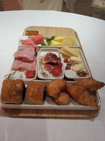 Hotel Fernando III: Bandeja para el desayuno de dos personas