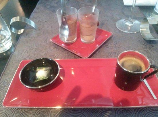 Auberge du Pressoir : café
