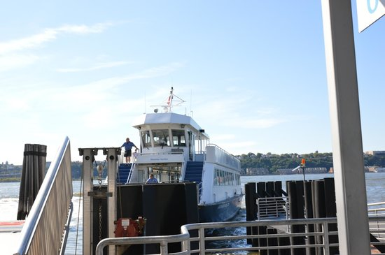 NY Waterway Ferry: Ferry Alexander Hamilton