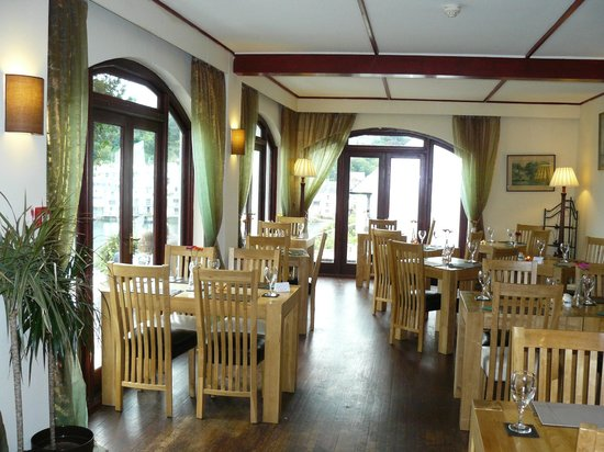 The Old Ferry Inn: The dining room with spectacular views