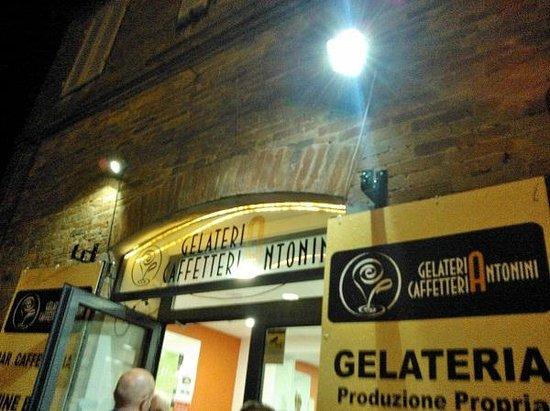 Gelateria Caffetteria Antonini: Ingresso