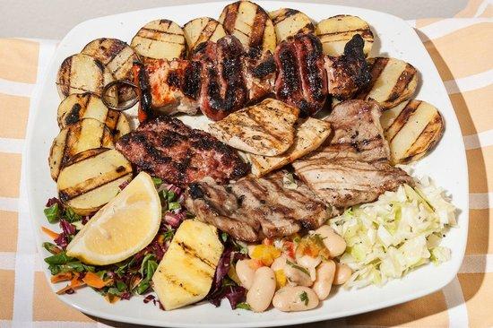 Costanzana, Italien: grigliata mista di carne e verdure