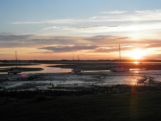 Rosegarth Guest House: Sunset over Irt / Mite estuary at Ravenglass