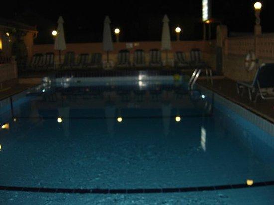 Erato Hotel: Pool