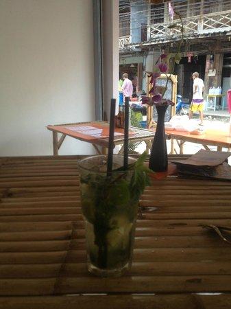 COSMOPOLITAN, Eat & Drink, World Stile: mojito