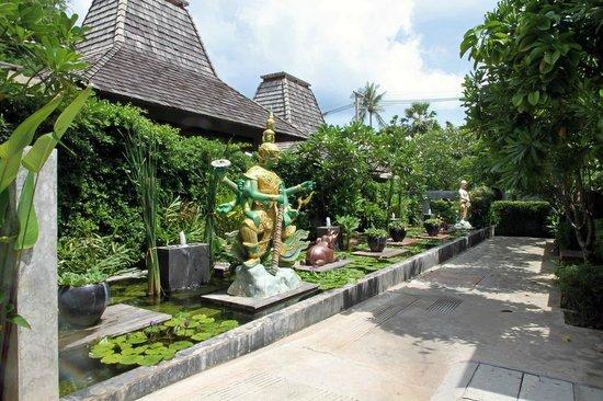 Baan Haad Ngam Boutique Resort & Villas: Direkt vor der Villa