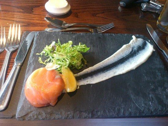 Eight Acres Hotel & Leisure Club: salmon starter