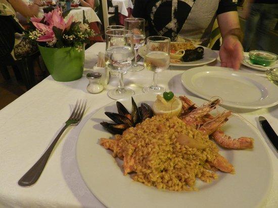 Restaurante Es Forat : bel locale